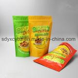 최신 판매는 견과 말린 과일 또는 간식을%s 지퍼를 가진 주머니를 위로 서 있다