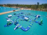 Fabrik-Preis-aufblasbare sich hin- und herbewegende Wasser-Park-aufblasbare Insel für Verkauf