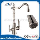 En nickel brossé moderne Bec pivotant à trois voies robinet d'eau de robinet de cuisine