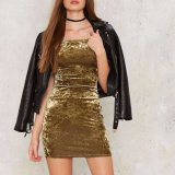 Form-Frauen-reizvoller dünner Samt weg von der Schulter kleidet Partei-Kleid