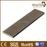 ベストセラーの広東省の建築材料の木製の合成物WPCのDecking