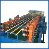 機械生産ラインを形作るハイウェイのガードレールロール