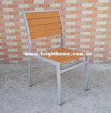 Silla al aire libre superior de madera plástica de aluminio del nuevo diseño