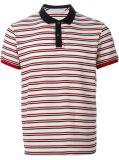 2개의 색깔 줄무늬를 가진 소매 폴로 셔츠가 남자에 의하여 누전한다