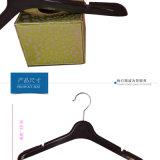 Perchas superiores del plástico de la ropa de las señoras de encargo de Dongguan