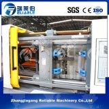 Petite machine automatique de moulage par injection de produits en plastique