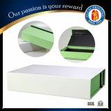 Вновь произведенных складывание бумаги в салоне в подарочной упаковке .