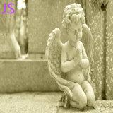 Handcarved白い大理石から成っている少し宗教Prayingfの天使の彫刻
