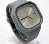 Yxl-974 동료 고아한 손목 시계 고품질이 우연한 형식 실리콘 묵 고무 젤에 의하여