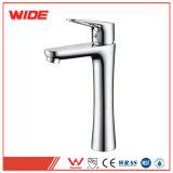 La garantía de calidad profesional de la fábrica de agua caliente de grifo de la cuenca del grifo de agua de venta