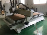 Grupo la fabricación de muebles carpintería CNC máquina