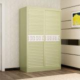 木の寝室の戸棚
