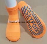 Antideslizante de algodón personalizadas de deportes de trampolín de saltos calcetines