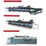 Buch-klebende Lochstreifenmaschine mit dem neuen Buch, das Maschinerie herstellt