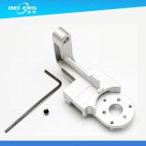 Hohe Präzisions-kundenspezifisches Aluminium CNC-maschinell bearbeitenteile, maschinell bearbeitete Aufhebung u. Teile