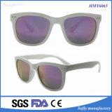 Poliéster clássico de cor branca Frame Revo Lens Óculos de sol