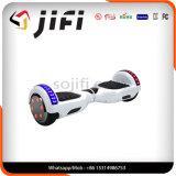 Mode, sèche, véhicule électrique de scooter d'équilibre d'individu
