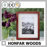 Het bruine Houten Frame van de Foto van het Beeld met Onderstel