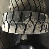 강철 바퀴 변죽 경트럭 타이어 9.00X20 900-20 750-16 단단한 고무 타이어