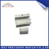 Peça plástica do molde da modelagem por injeção do metal para o conetor elétrico