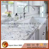 台所上のための自然な薄い灰色の磨かれた花こう岩のカウンタートップ