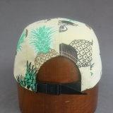 Casquillo plano colorido del campista del borde con cuero grabado de la PU