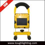 Funciona con batería recargable de 10 W LED Proyectores portátiles con soporte