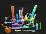 配水管を煙らす頭骨の形の果汁のコレクター水煙るガラス管