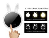 充電電池の調節可能な光の携帯用ウサギの構成ミラーLEDの卓上スタンド