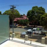 L'inferriata del balcone progetta l'inferriata di vetro esterna per il corrimano della scala