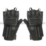 特許を取られた非致命的な警察装置が付いている警察そして軍のE手袋