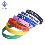 Il Wristband del silicone di alta qualità con progetta il marchio per il cliente