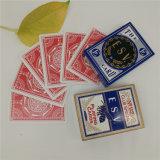 Projetar cartões de jogo do casino da cor de Pms