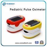 小児科または子供の指先のパルスの酸化濃度計OLEDカラー指SpO2のモニタ