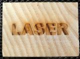 Máquina de la marca del laser del CO2 en la madera del cuero de la tela