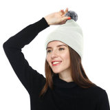 Sombrero hecho punto aduana de la gorrita tejida del invierno con insignia