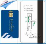 Il PVC in bianco ha impresso la scheda pagata anticipatamente del contatto CI per il governo