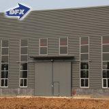 Alto hangar fácil/taller/almacén de la estructura de acero de la estructura de Qualtity con la grúa