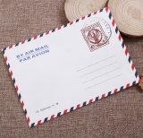Weißer Packpapier-Luftpostbrief-Pfosten-Umschlag