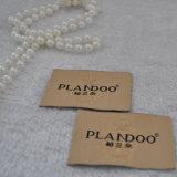 Una muestra gratis etiqueta tejida con el nombre de marca de complementos de vestir