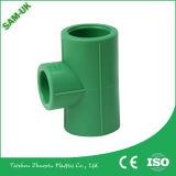 Материалы PPR трубопровода фабрики Zhejiang Taizhou пластичные локоть 45 Deg