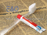 使い捨て可能なナイロン剛毛の歯ブラシ/ホテルの歯ブラシ/大人の歯ブラシまたは熱い製品