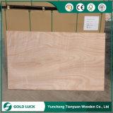 8'x4' Larch folheado de madeira laminada Núcleo choupo Madeira contraplacada comercial de Log