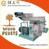 Palline dei residui della lavorazione del legno che fabbricano macchina con Ce