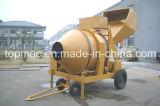 De Concrete Mixer van de dieselmotor met de Hydraulische Vultrechter van het Hijstoestel