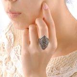 Кольцо камня мозаики ювелирных изделий способа женщин темным покрынное родием