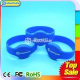 Braccialetto dei Wristbands del silicone RFID di HF 13.56MHz ISO14443A FM08 di marchio di Cotom per i parchi di divertimenti