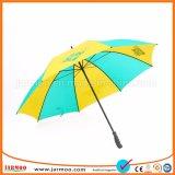 Populaire parcours de golf de toute taille parasols colorés