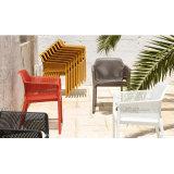 Moderne Hotel-Möbel, die Plastikim freienentwerfer-stapelbaren Stuhl speisen