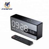TF FM aux haut-parleur sans fil Bluetooth de l'horloge d'alarme double caisson de basses Bass Son haut-parleur Bluetooth